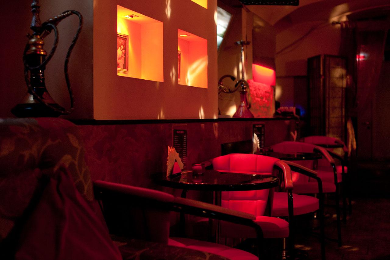 Караванная стриптиз клуб клубы самара закрыты