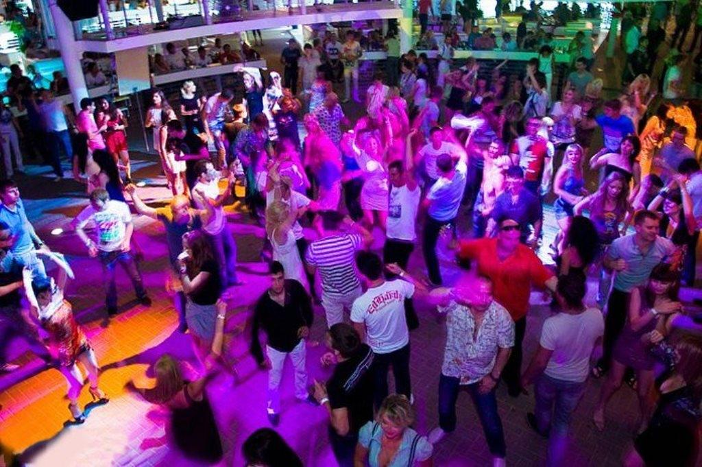 Клуб ночной ейск стриптиз клубы москвы с увольнениями
