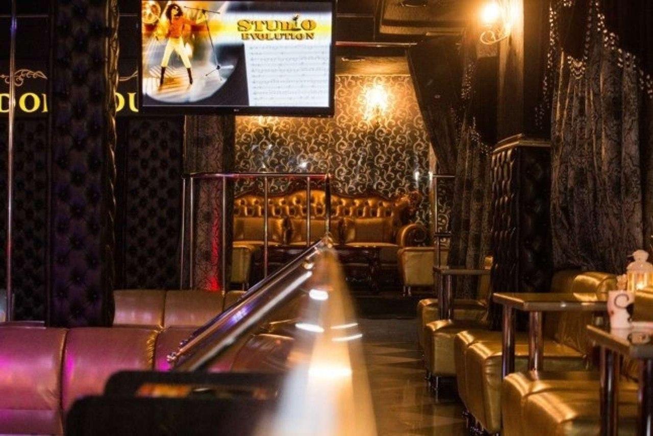 Стриптиз бар в новороссийске клубы английский спаниель москва