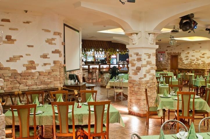 Ресторан <b>Зелёный квадрат</b> в Магнитогорске по адресу ...