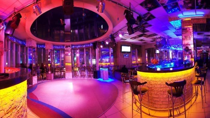 Ночные клуб троя клубы в воскресенье в москве