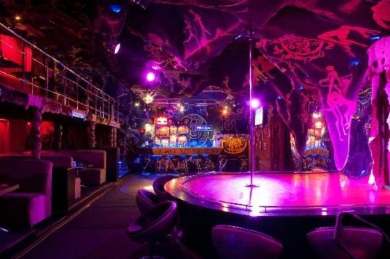 Пещера ночной клуб в тюмени собака клуб москва