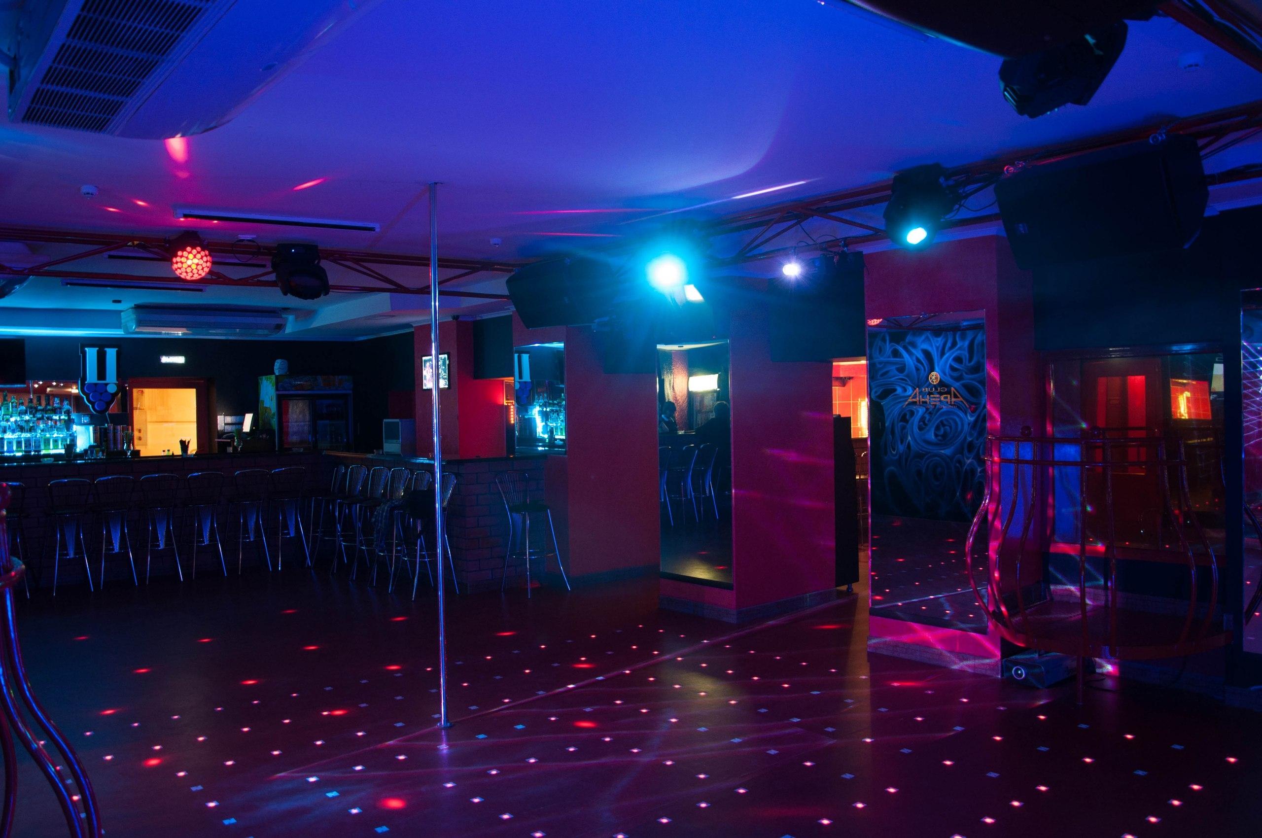 Ночной клуб волгодонске в стриптиз клубе оказывали