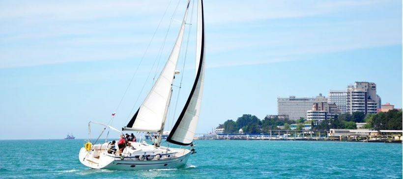 Прогулки на яхте вдоль черноморского побережья
