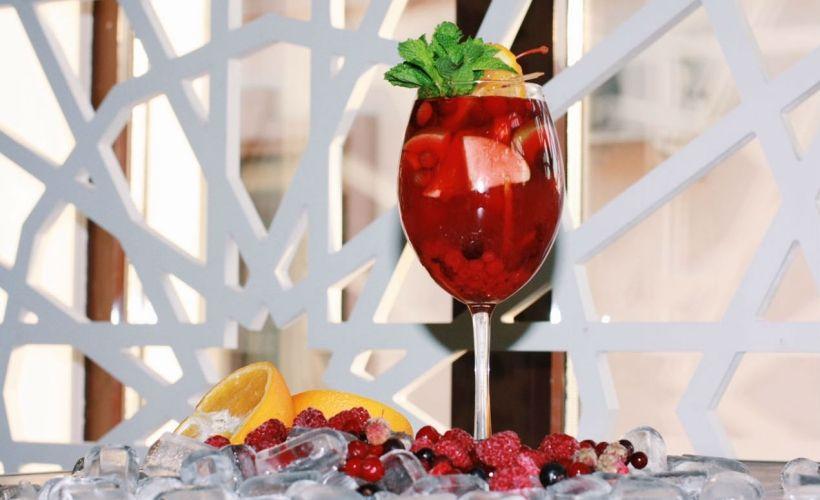 «Райская сангрия» в Хумо Chaihona & Lounge cafe