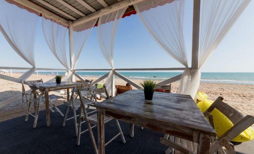 Пляжный комплекс Blaga Beach на Бугазской косе