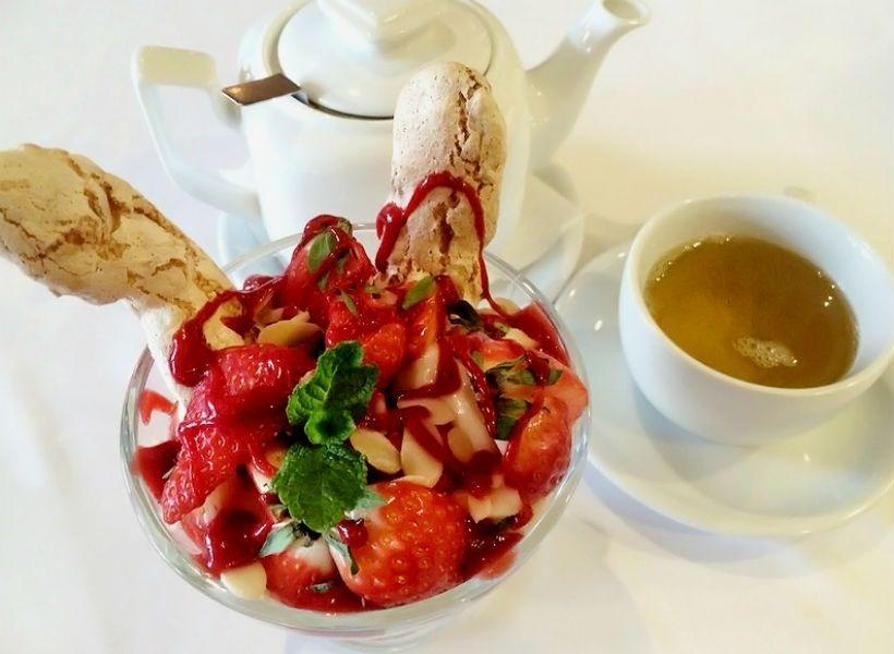 Десерт «Майский» в ресторане «Сахли»