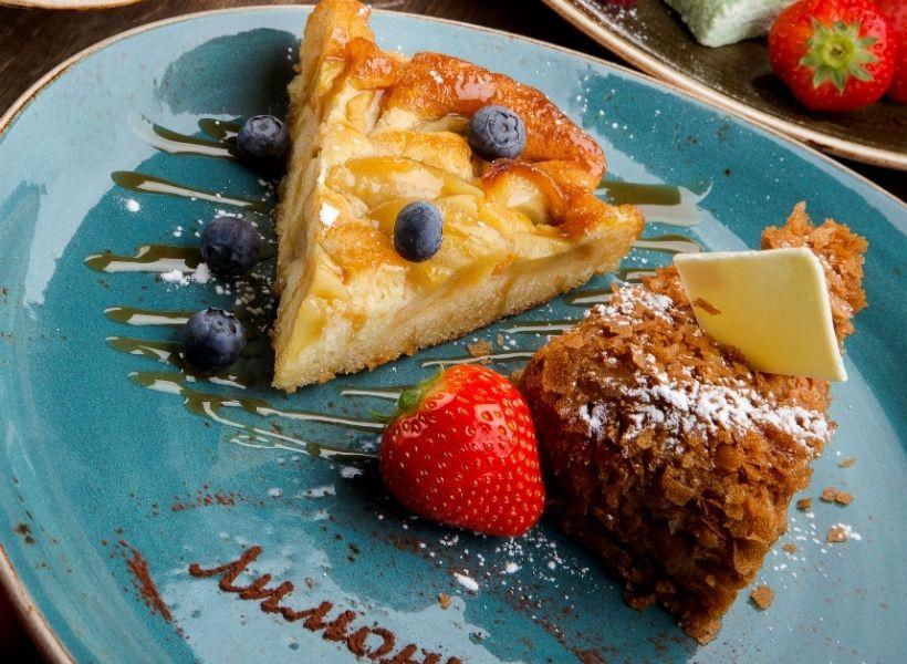 Итальянский яблочный пирог в ресторане «Лимончино»