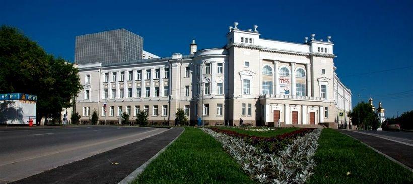 Пешая прогулка до Свято-Троицкого монастыря