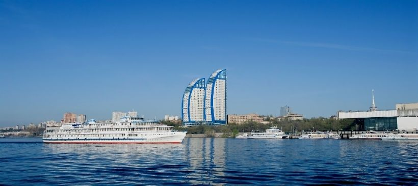 Прогулка на пароходе (панорама города, «Танцующий мост», Волжская ГЭС)
