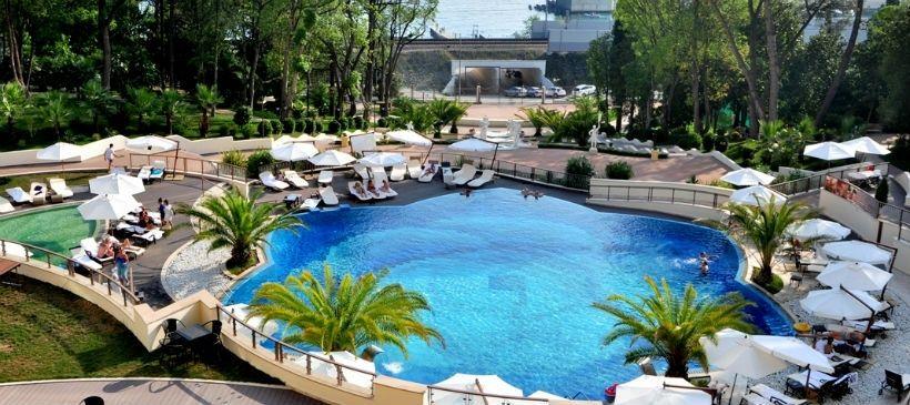 Комплекс бассейнов Swissotel Sochi Kamelia