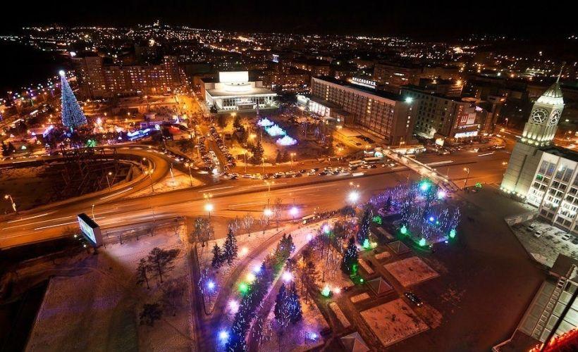 Театральная площадь и Красноярский драматический театр оперы и балета