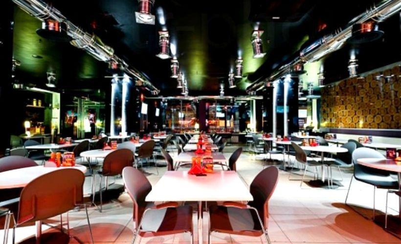 Обед в баре «Перцы»