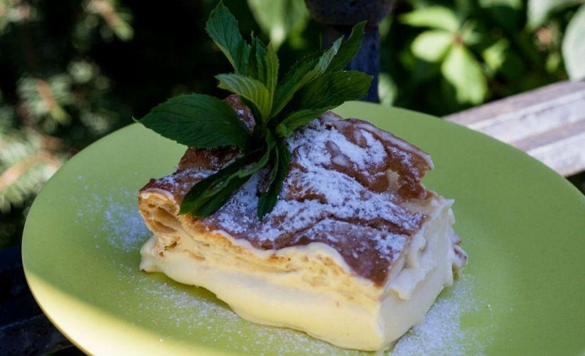 Польский заварной пирог «Карпатка» в кафе MeatBall Box