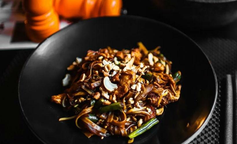 Тайская кухня в ресторане Black Thai