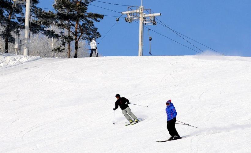 Катание на горных лыжах с клубом «Иня»
