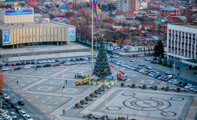 Новогодние гулянья на Театральной площади