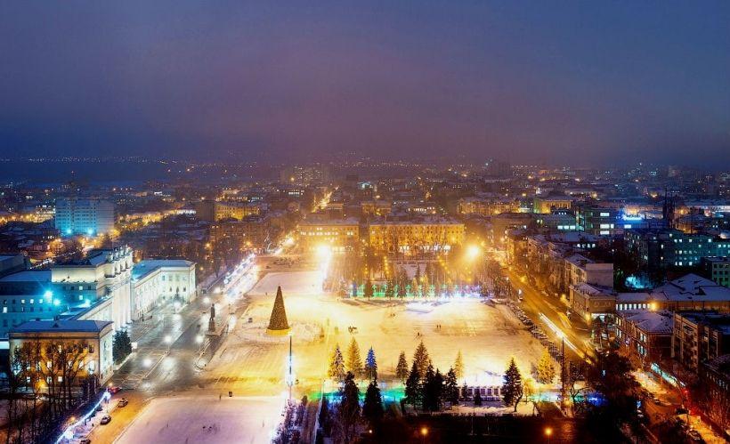 Народные гулянья на площади Куйбышева