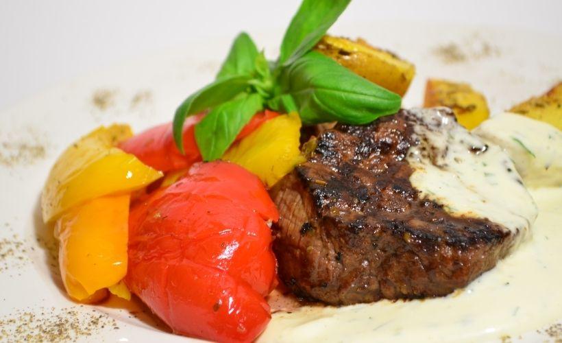 Классический стейк в Steak House