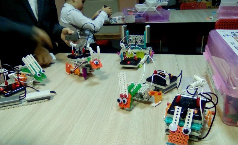 Клуб робототехники для детей ROBOT FORWARD