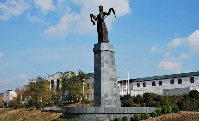 Монумент «Мать Бурятия»