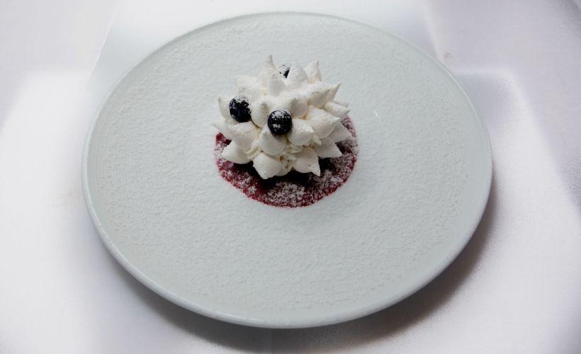 Торт «Павлова» в ресторане «Княгининский Двор»