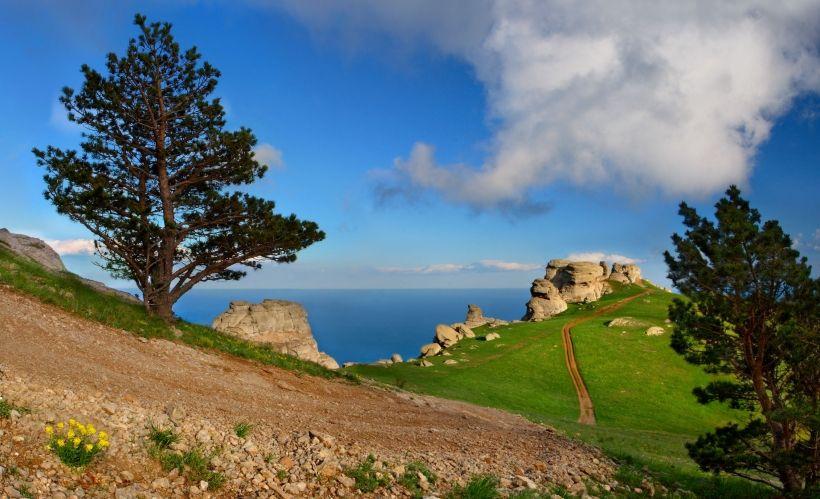 Отправиться в велопоход по горным тропам Крыма