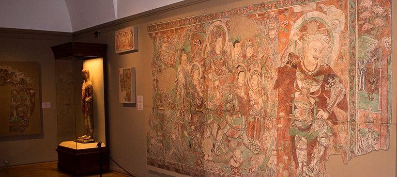 Фрески из буддистских пещерных и наземных храмов