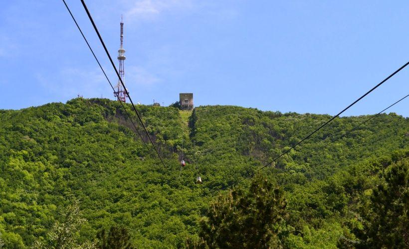 Канатная дорога и гора Машук