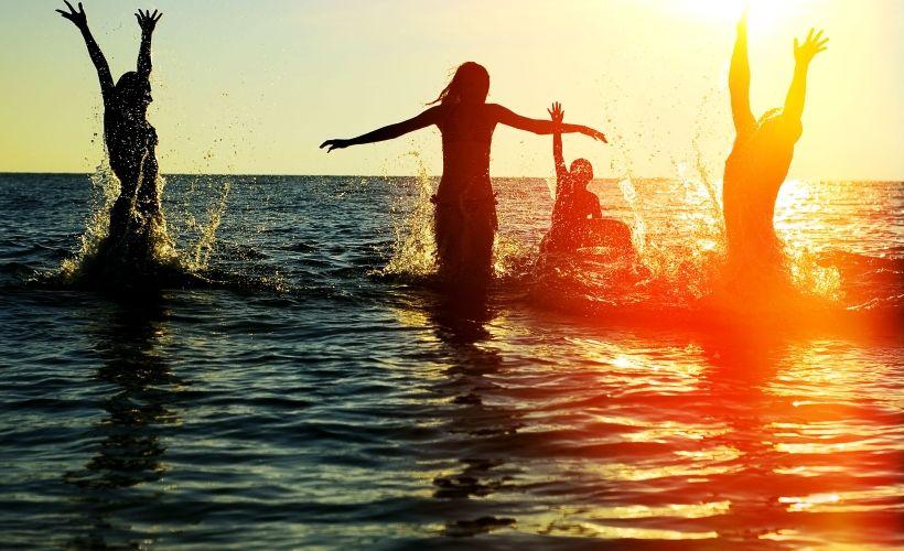 Отдых на пляже «Бобры»