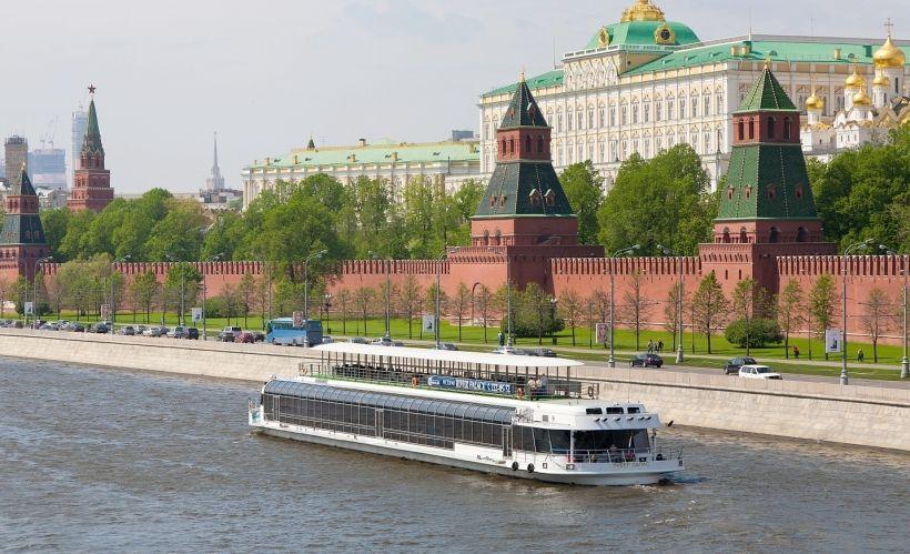 Гранд-тур на яхте по Москве-реке