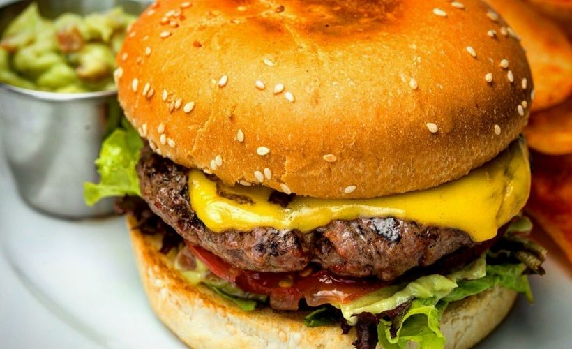 The «Угол» Burgers & Steaks в Севастополе