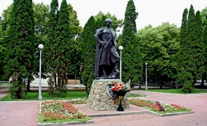 Памятник казакам — основателям станицы Ессентукской