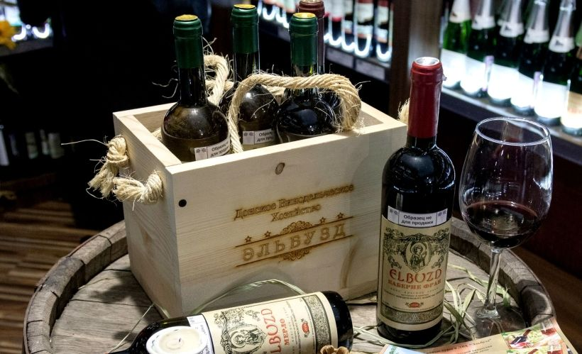 Отправиться на экскурсию в донское винодельческое хозяйство «Эльбузд»
