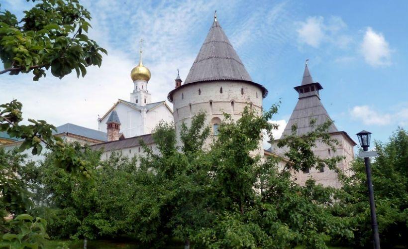 Митрополичий сад и церковь Григория Богослова