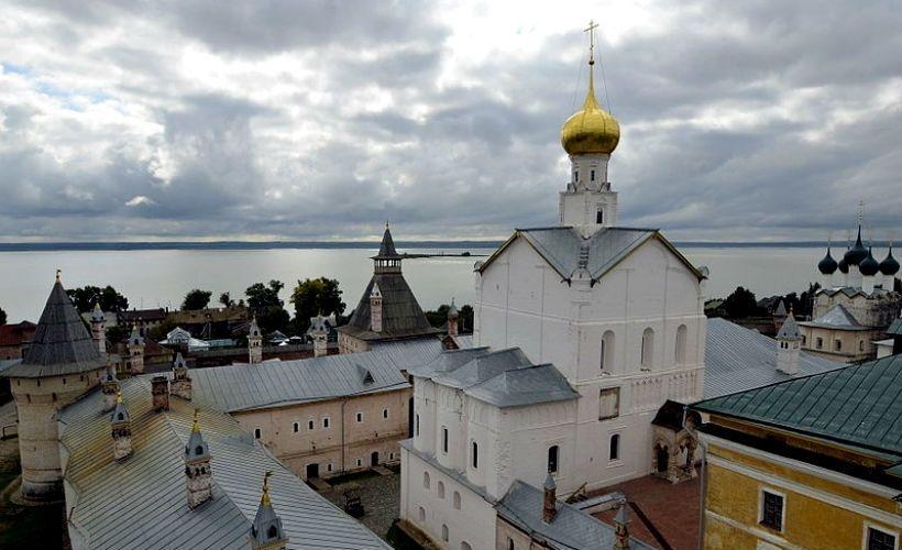 Самуилов корпус, церковь Спаса на Сенях и Иераршие палаты