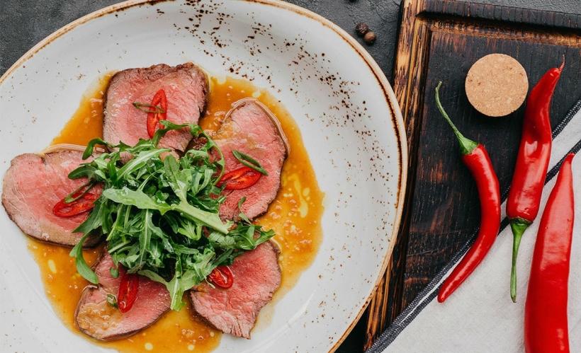 Тальята из говядины с горчичным соусом в «Лимончино»