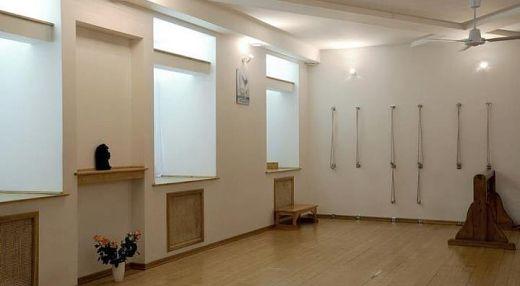 Студия йоги БКС Айенгара на Старом Арбате