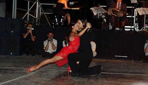 Tango Asi