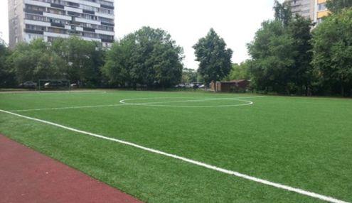 Футбольное поле школы №885