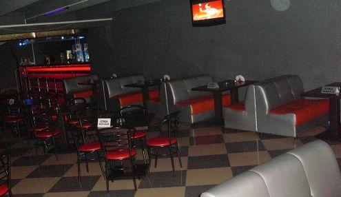L28. Ночной клуб