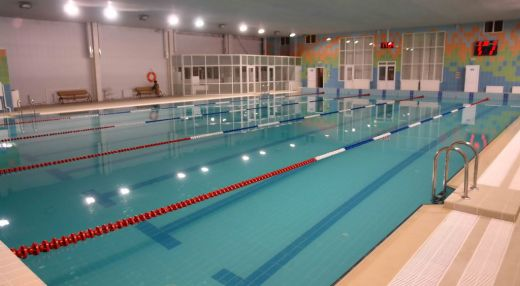 Ак Буре. Плавательный бассейн