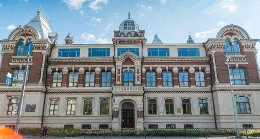 Здание Казанской художественной школы