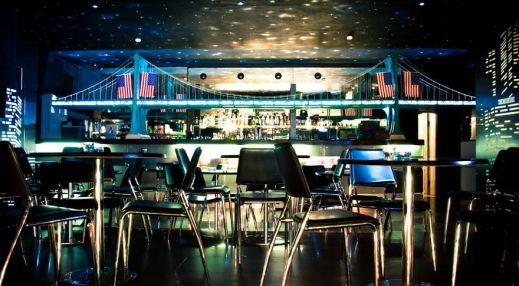 Америка. Ночной клуб