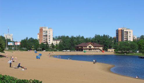 Пляж на берегу Ольгинского пруда