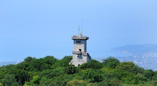 Cмотровая башня на горе Ахун