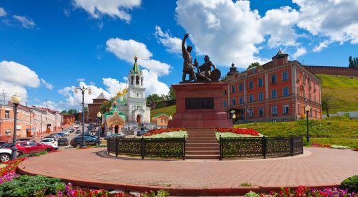 Памятник минину и пожарскому в нижнем новгороде фото памятники вов в россии список