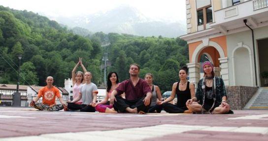 Йога на Роза Плато