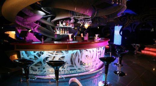 Ночной клуб жираф английское клуб кафе в москве