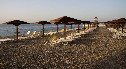 Золотая бухта. Пляж